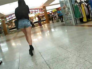 Great Girl In Short Hot Pants 10.05.2018.