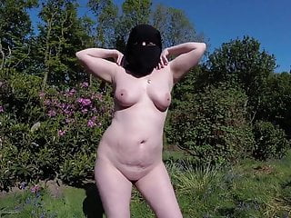 Niqab and Boots Naked Outdoors