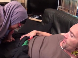 Muslim woman met on the Internet with two men