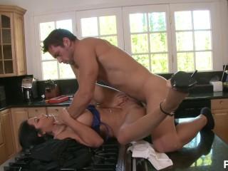 horny milfs easy help - Scene 3