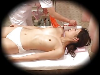 Japanese Women Massage Hidden camera 4 of 4