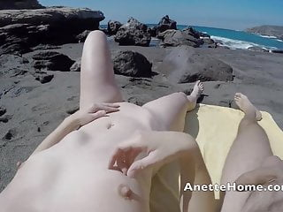 naked pizza delivery on my livecams for the voyeurs