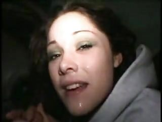 Young girlfriend gives great bj in car