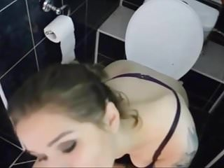 Girl pissing and farting on the toilet as she sucks yout coc