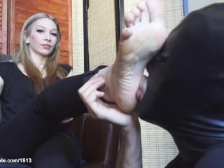 Foot worship Marlo Marquise