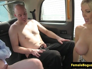 Busty british cabbie spitroasted in taxi trio