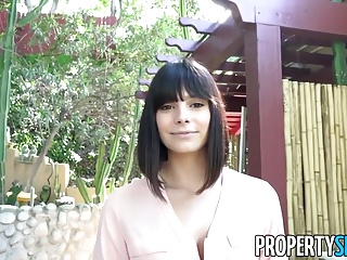 PropertySex - Gorgeous agent convinces homeowner to sell