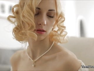 Hot Pussy Teen Jennas Solo Masturbation