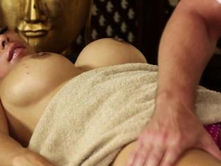 Faketit asian babe jizzed on ass by masseur