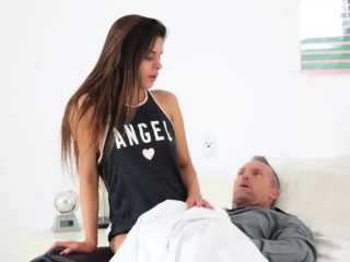 Teen caught Stepchum's daughter Sick Days