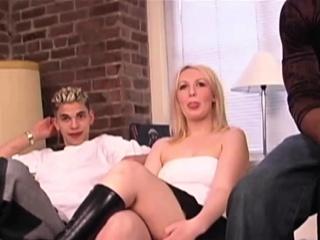 Smoking hot babe has fun with cocks