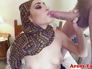 Veiled muslim amateur doggystyled pov
