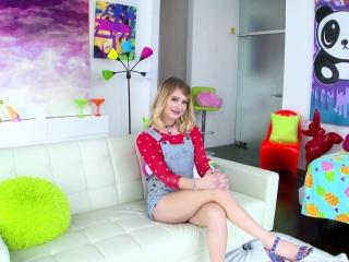 SWALLOWED Messy blowjob with Anastasia Knight