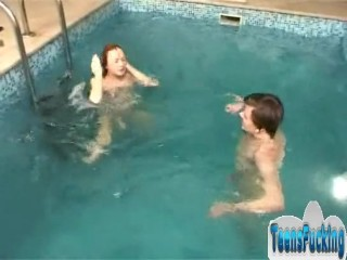 Little sister seduces her brother to have sex in the pool