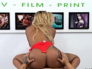 Feebie - Big Ass Ebony Babe Banged