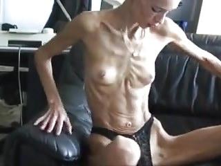 Skinny MILFS