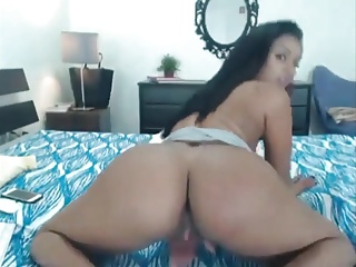 Hot Indian bitch twerking and masturbating