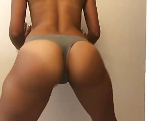 Shaking my tight Moroccan ass