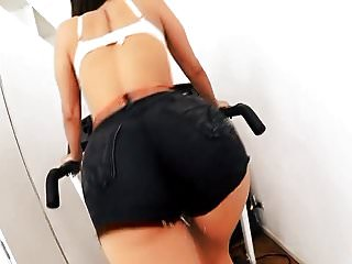 BIG ASS Babe in TIGHT SHORT SHORTS Has Perfect TITS