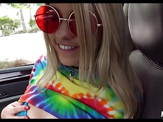 Hippy Chick gives head for ride