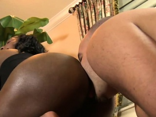 Outstanding smothering session featuring large booty blond