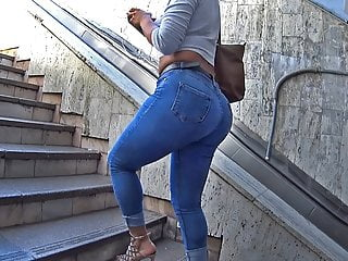 jeans butt with those heels