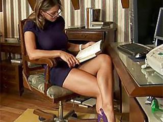 Sexy Spanish sexbomb teacher MILF
