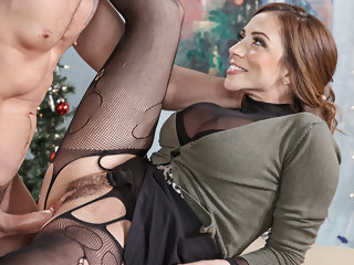 Damn hot secretary Ariella Ferrera