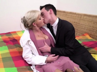 Horny housewife Margaux doing her toyboy