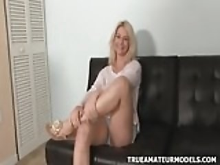 Amateur Girl Showing The SCAR On Her Asshole