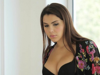 Big ass pornstar hottie Valentina Nappi interracial sex