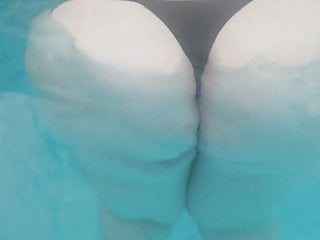 Shellys amazing Ass in our pool pt1