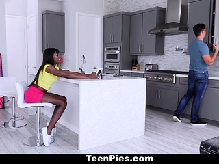 TeenPies - Hot Ebony Teen Gets Creampied