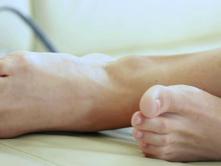 Babes lovely feet cummed