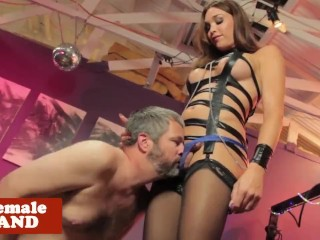 Bigtitted trap domina doggystyling before bj