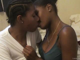 Hot ebony lesbians eat and finger pussies