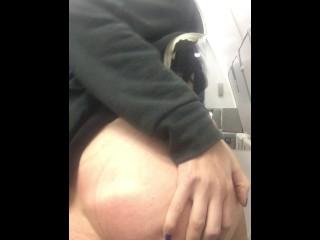 making myself cum in a plane bathroom