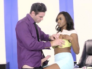 Sexy seductrice gets her pussy drilled hard in the office