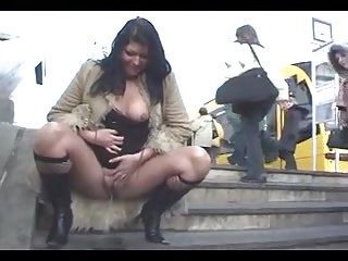 Pee in public - what a brave girl :-D