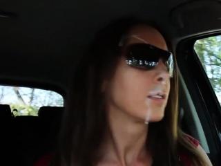 Annabel-Massina - Mit Sperma-Face Auto gefahren