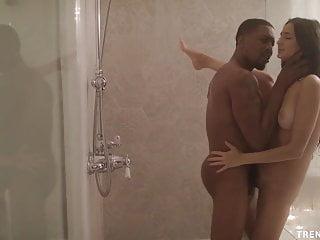 Eliza Ibarra deepthroats huge cock before sex