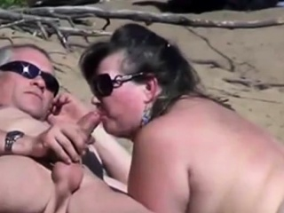 Nude Beach - Public Blowjobs