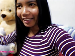 10 Weeks Pregnant Thai Teen Heather Deep gives blowjob