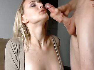a amateur blonde loves sucking dick on camera