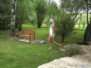 Blonde teen Katy Rose