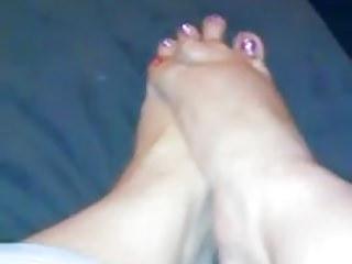 cream on filipina feet